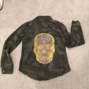 Other - Camo button up